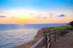 pacific-ocean-sunset-llewellyn-chin