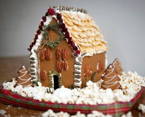 GingerbreadHouse_LizClayman_1